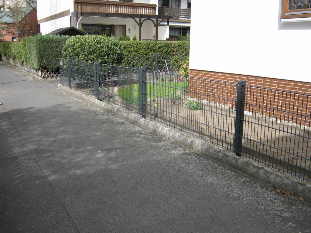 Zaun und Gartenanlagen